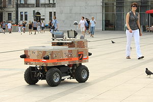 http://upload.wikimedia.org/wikipedia/commons/thumb/8/83/Justus_robot_in_Krakow_Poland_Aug2009.jpg/300px-Justus_robot_in_Krakow_Poland_Aug2009.jpg