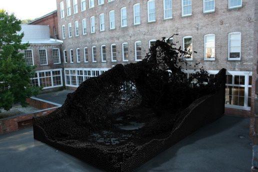 Описание: Geometric Death Frequency-141 – гигантская работа от роботов-скульпторов. Источник фото: i.materialise.com