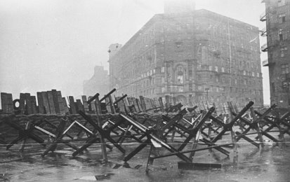RIAN_archive_604273_Barricades_on_city_streets