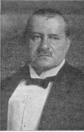 https://upload.wikimedia.org/wikipedia/commons/3/3f/Theodor_Kaes_%28ca._1900%29.jpg