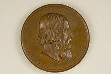 https://upload.wikimedia.org/wikipedia/commons/thumb/8/80/Graefe_Medaille_Helmholtz_Avers.jpeg/220px-Graefe_Medaille_Helmholtz_Avers.jpeg