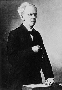 https://upload.wikimedia.org/wikipedia/commons/thumb/9/94/Ernst_Neumann.jpg/220px-Ernst_Neumann.jpg