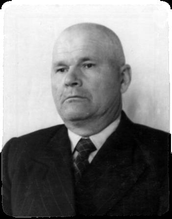 Лещенко Дмитрий Онуфриевич (1904) преподавал химию и биологию в нашей школе после выхода на пенсию с 1964 г и до последних дней
